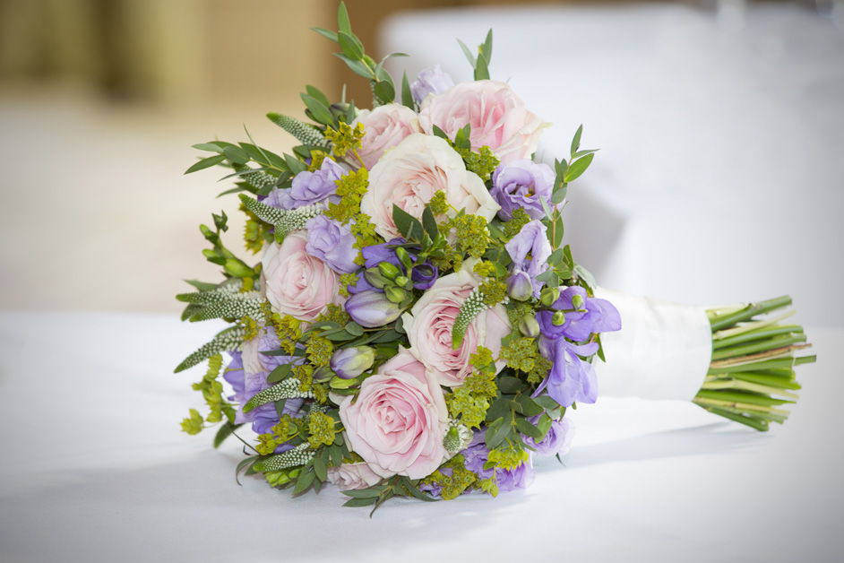 bride's wedding bouquet at Stoke Park in Reading