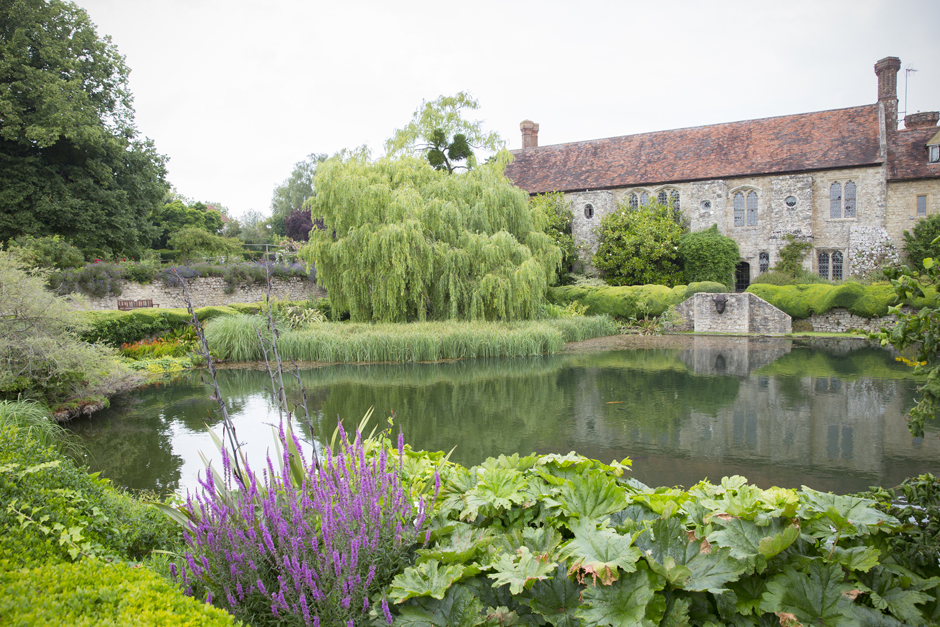 Kent wedding venue Nettlestead Place in Maidstone - the house in all its glory with lake in front. Captured by Kent photographer, Victoria Green.